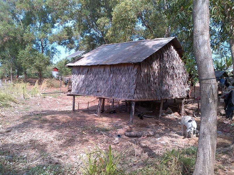 Systèmes solaires hors réseau des ménages Restar 5000 ensembles au Cambodge, juillet 2011.