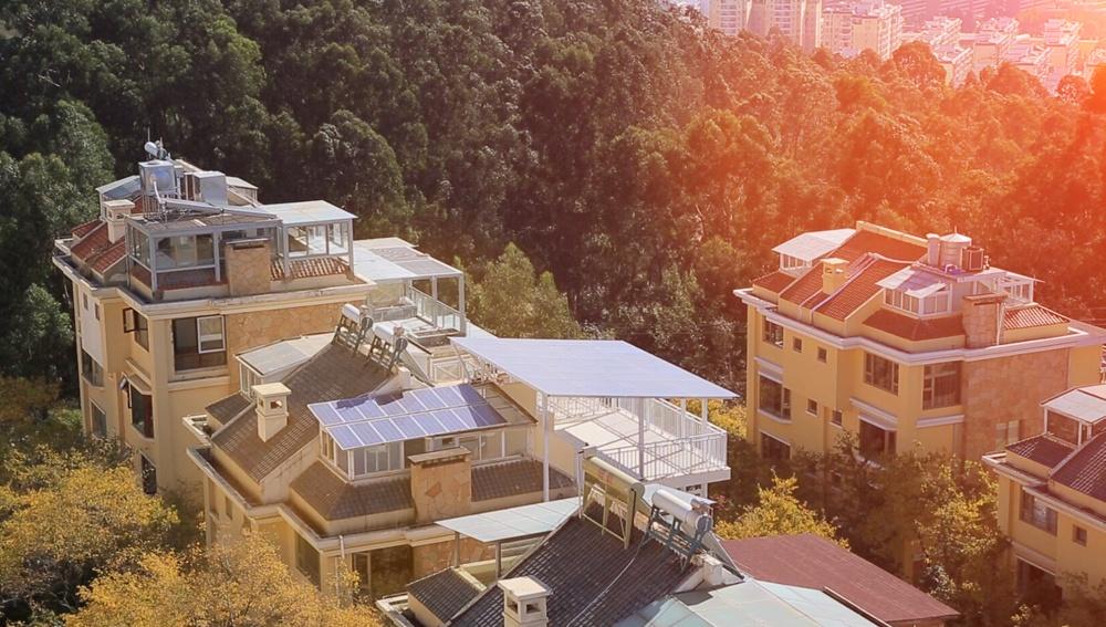 Système solaire de connexion au réseau domestique de réseau domestique 2.4KWp Restar dans le Yunnan, en Chine.